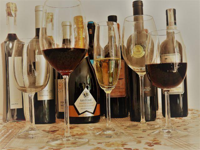 Ile wina w kieliszku, czy istnieją reguły?